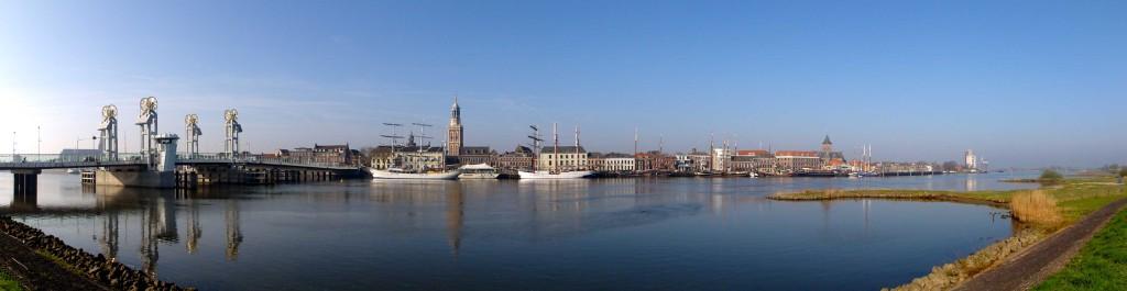 ZIcht op Kampen. IJsselfront. Foto: Gouwenaar